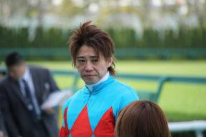 061204 300x200 - 藤田伸二「岩田の追い方は絶対認めない。馬を傷める
