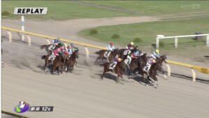 keiba 1471611513 88701 300x169 - 藤田菜七子騎手、新潟最終レース後方から追い込んで3着!