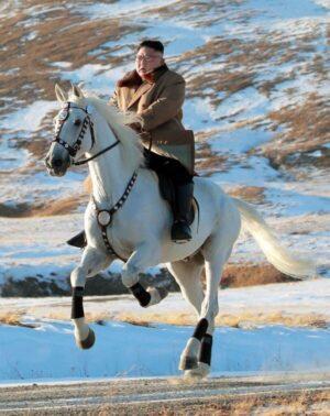 keiba 1623485505 12601 300x378 - 【対談】蛯名「騎手やめても太りたくない」武豊「太った調教師たくさんいるよね」