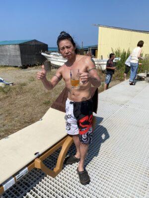 livejupiter 1627237330 102 300x400 - 【画像】元JRA騎手の藤田伸二さん上半身裸のとんでもないムキムキのボディーを見せつける