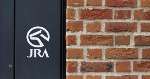 jra logo 500x263 - 競争力の低下につながる「JRAのシステム」